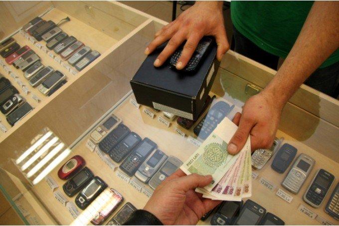 Допустим, клиент ломбарда сдал под залог ценное изделие, получив за него  2500 рублей. В договоре указаны временные рамки, в которые должен уложиться  заемщик ... 9fd068151d9
